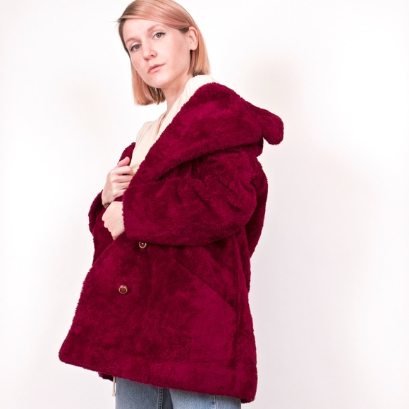 bf7dd62b815 Vintage 70s maroon faux fur teddy bear coat jacket.  M_5a6af2ba1dffdaa89c710af1